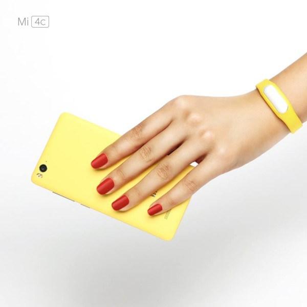 Xiaomi Mi 4c on Hand