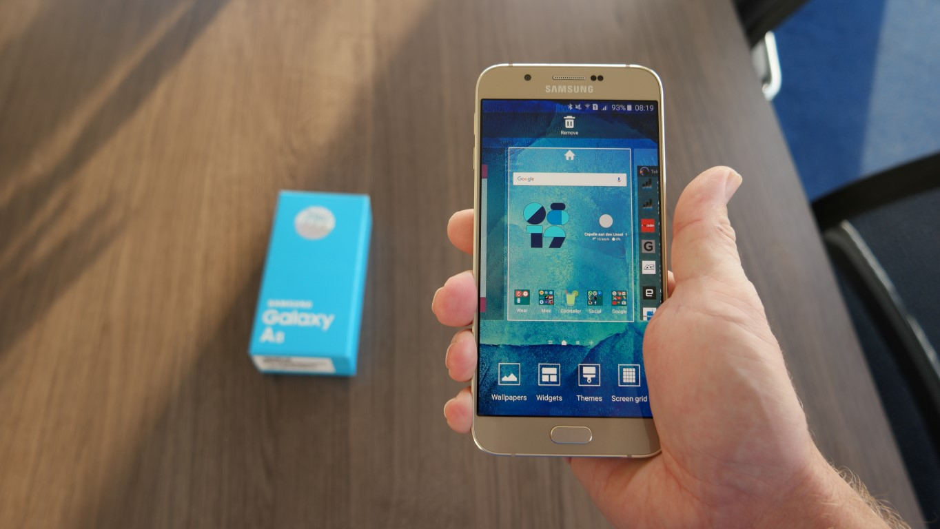 Samsung Galaxy A9 On-Hand