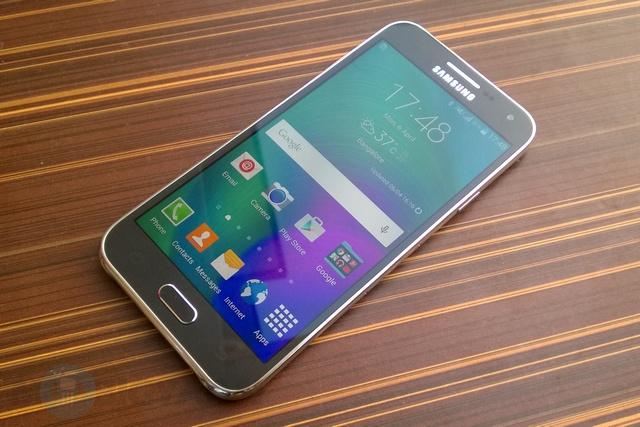 Tampilan Samsung Galaxy E5